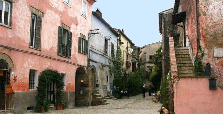 Calcata and Bracciano Tour